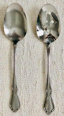 Oneida Deluxe Stainless CHATEAU 2 Serving Pieces Spoons
